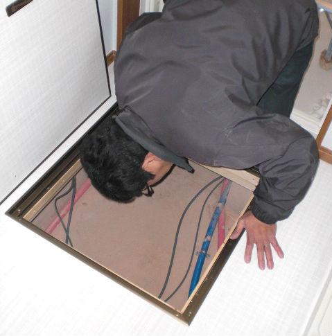 床下の検査