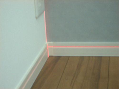 レーザー水平器の光線